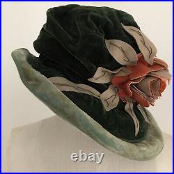 1920S VELVET CLOCHE HAT Green Felt Flower William Tatlor & Son Size 7 1/2