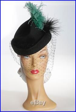 1940s Stunning Black Felt Hat with Squares Face Veil & OTT Greenie & Black Plume