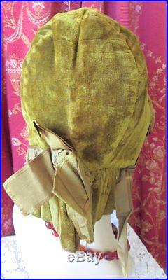 ANTIQUE 1840s-1850s HAND STITCHED GREEN VELVET BONNET ORIGINAL SILK RIBBONS
