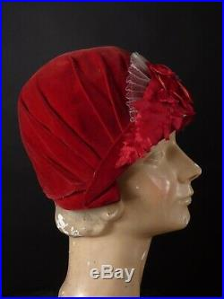 AUBURN HAT SHOP 1920s Maroon Velvet Helmet Cloche