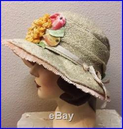 Early 1920s Gatsby Era Large Brimmed Ecru Straw Cloche Fab Trim