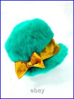 Elsa Schiaparelli rare Bright green Rabbit Fur 50s Paris hat Rare + Outstanding