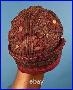 Flapper 1920s Metallic Gold Lamé Cloche Hat W Gold Leather