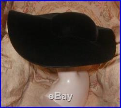 Important 1948 LILLY DACHE MUSEUM SHOWN Huge WIDE BRIM Black Velvet Platter HAT