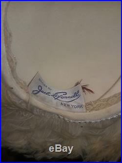 JACK McCONNELL HAT, VINTAGE, CREAM FEATHERS DIMILES TIP. (OFFERS CONSIDERED)