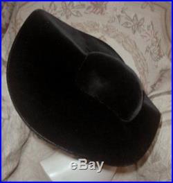 MUSEUM Piece 1948 LILLY DACHE Huge Wide Brim Black Velvet Undulating Saucer WOW