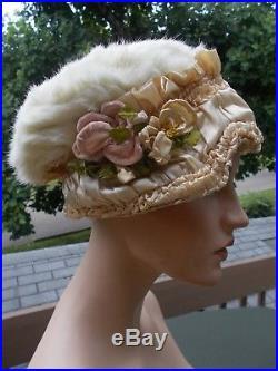 Marvelous Victorian hat. Lovely velvet flowers c. 1890