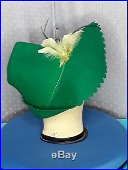 Original 1940s WWII era Merrimac Felt Hat in Rare Kelly Green Colourway