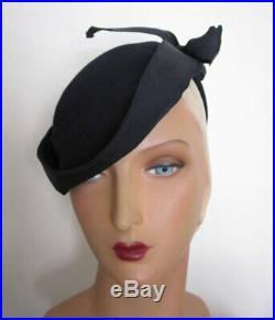 TRUE VINTAGE 1930's Navy Wool Felt Tilt Hat with Large Grosgrain Bow