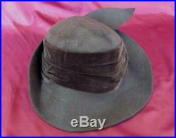 VINTAGE 1920s LADIES BROWN VELVET HAT