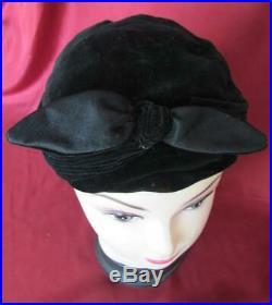 VINTAGE 1930s LADIES BLACK VELVET HAT