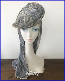 VINTAGE 1940s Dramatic SILVERY GRAY VELVET Swoop PANCAKE TAM Perch Half TILT HAT