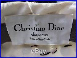 VINTAGE CHRISTIAN DIOR PARIS CHAPEAUX TURBAN HAT 1950's DAISY FLOWER POM POM