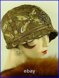 VINTAGE HAT 1920s CLOCHE GLITTERING GOLD SEQUIN BEADED PETAL BRIMMED FLAPPER HAT