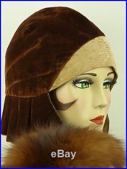 VINTAGE HAT 1920s USA, EXCEPTIONAL CLOCHE, LASDON NY & PARIS, VELVET PLEAT SIDES
