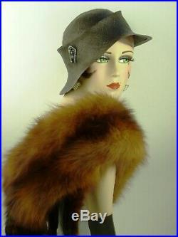 VINTAGE HAT 1930s FRENCH, BLACK FINE STRAW ASYMMETRIC SLOUCH, w DECO HAT FLASH