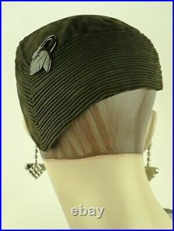 VINTAGE HAT 1930s FRENCH, ROSE VALOIS, DECO PIERROT CALOT HAT, BLACK SOFT SUEDE