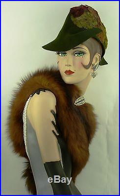 VINTAGE HAT 1930s V RARE LILLY DACHE OLIVE GREEN FELT ROBIN HOOD HAT w FEATHERS