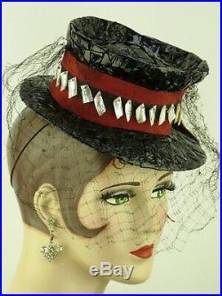 VINTAGE HAT 1940s CASPAR-DAVIS, WARNER BROS. TOY TILT TOPPER w VEIL, BLACK & RED