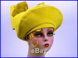 VINTAGE HAT 1940s FRENCH WWII ERA, MUSTARD YELLOW FELT HIGH TILT WITH BIG BOW