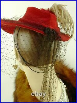 VINTAGE HAT 1940s LESLIE JAMES RED TILT FEDORA w BIRD OF PARADISE & FISHNET VEIL