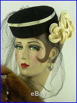 VINTAGE HAT 1940s USA, BLACK FELT BELLHOP TILT TOPPER w CREAM FLOWERS & VEIL