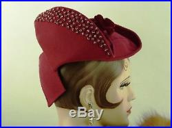 VINTAGE HAT 1940s USA BURGUNDY FELT TILT TOPPER, MATCHING HATPIN, SILVER BEADING