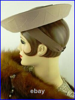 VINTAGE HAT 1940s USA,'PARIS MAID NY & PARIS' FINE GREY FELT UP-TURNED TILT HAT