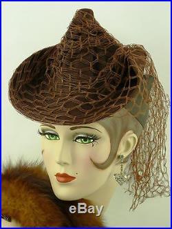 VINTAGE HAT 1940s USA RUST BROWN FELT TWISTED CROWN TILT HAT w FISHNET VEIL TRIM