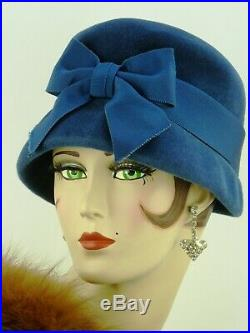 VINTAGE HAT 1950s, ENGLISH JACOLL, BLUE FELT LADIES DAY HAT w FRONT BOW & HATPIN