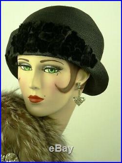 VINTAGE HAT FRENCH 1920s CLOCHE HAT, NAVY BLUE STRAW, VELVET FLOWERS & HATPIN