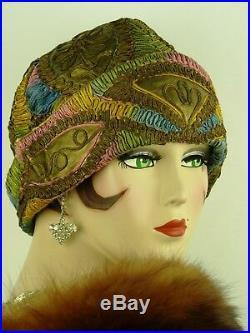 VINTAGE HAT ORIG 1920s CLOCHE SHIMMERING GOLD & MULTI COLOUR SOUTACHE EMBROIDERY