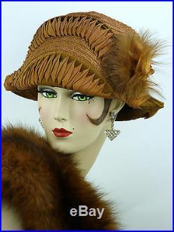 VINTAGE HAT ORIGINAL 1910s BICORN CLOCHE TOQUE IN RUST, EX RIBBON WORK & FEATHER