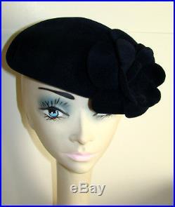 LAURENT YSL Navy Felt Velour Hat Beret with Flower 858aace0557