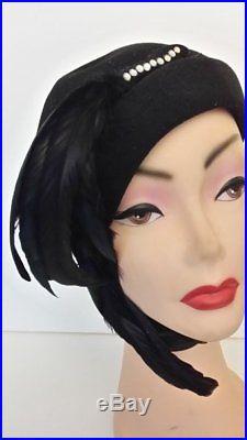 Vintage original 1930s 1940s Merrimac black wool tilt hat & long coq feathers